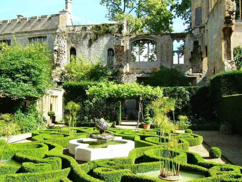 Sudeley Castle Gardens Winchcombe Gloucestershire England Roof Garden Plan Roof Garden Castles In England