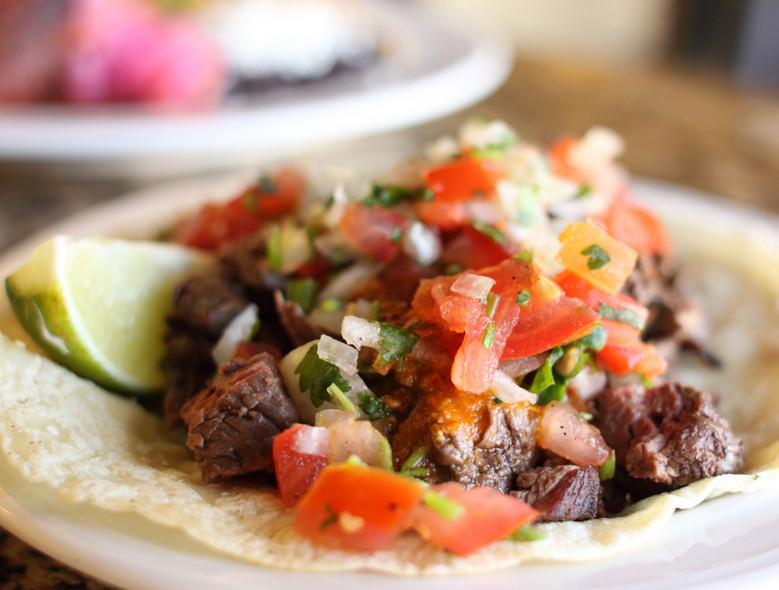 Slow-Cooker Flank Steak Tacos #flanksteaktacos Slow-Cooker Flank Steak Tacos #flanksteaktacos