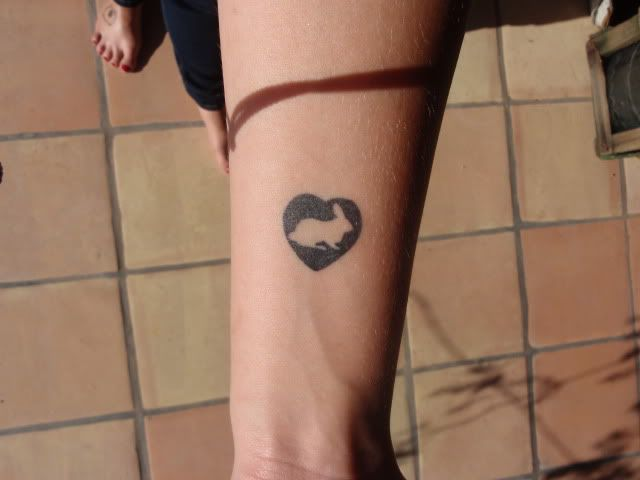 un petit lapin | un tatouage pour moi? | tatouage, lapin et art
