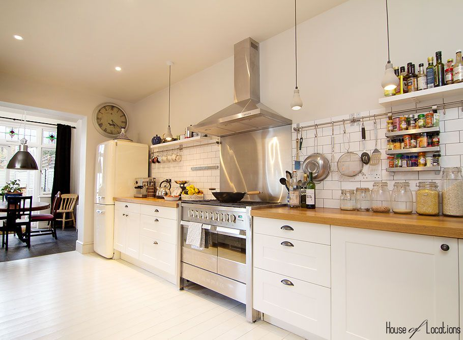 Wooden worktopu0027 white floor (Clapton shabby chic contemporary - wandpaneele kunststoff küche