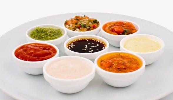 Salsa TERIYAKI - Mezcla ½ ztaza d salsa d soya y 1/2 taza d mirin (si no consigues mirin puedes sustituirlo c 1/4 d taza d miel mezclada c 1/4 de taza d agua). Lleva esto al fuego y cocina c flama media hasta q la salsa comience a burbujear. Retira del fuego y agrega 1 cdita. d jengibre picado, 1 cdita. d ajo picado y 1/4 d taza d cebolla d rabo tamb finamente picada. Puedes consumir esta salsa en el momento o refrigerarla hasta p 2 semanas.