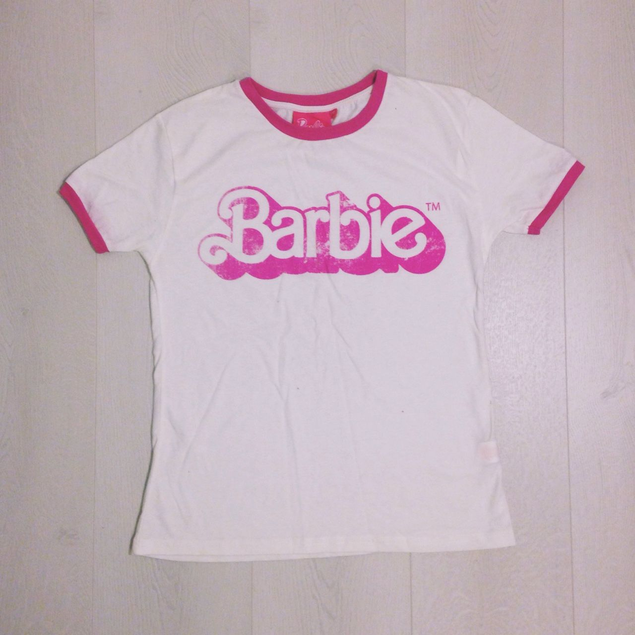 💘 BARBIE Tshirt 💘 super cute BARBIE tshirt, worn only once for a shoot 📷🦄 Size 10, great condition! #barbie #barbietshirt #tshirt #size10 #tops #size10tops #slogantshirt #slogantee (UK P&P only 99p!!)