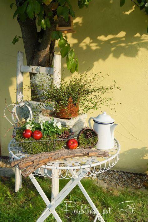 Herbstdeko Im Garten Google Suche Herbst Dekoration Dekoration Landhaus Dekoration