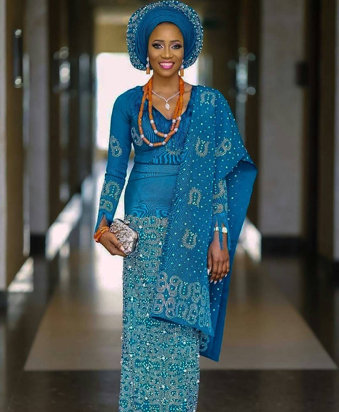Gorgeous bride kanyinalakija beads by mzoludee photography