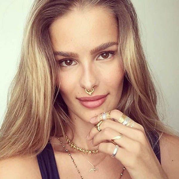 Yasmin Brunet piercing de septo