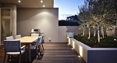 Patios modernos y minimalistas patio moderno for Patios pequenos minimalistas