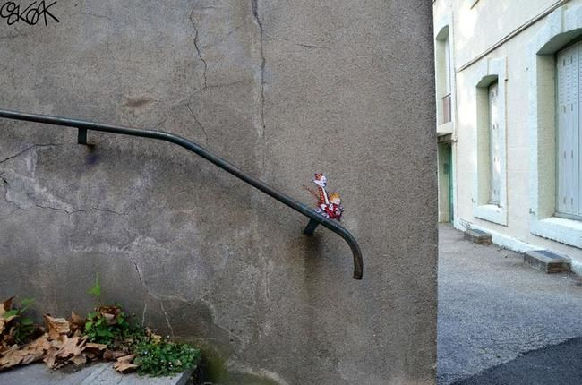 28 Brilliant Street Art And Artists Who Work With Their Surroundings To Make Masterpieces