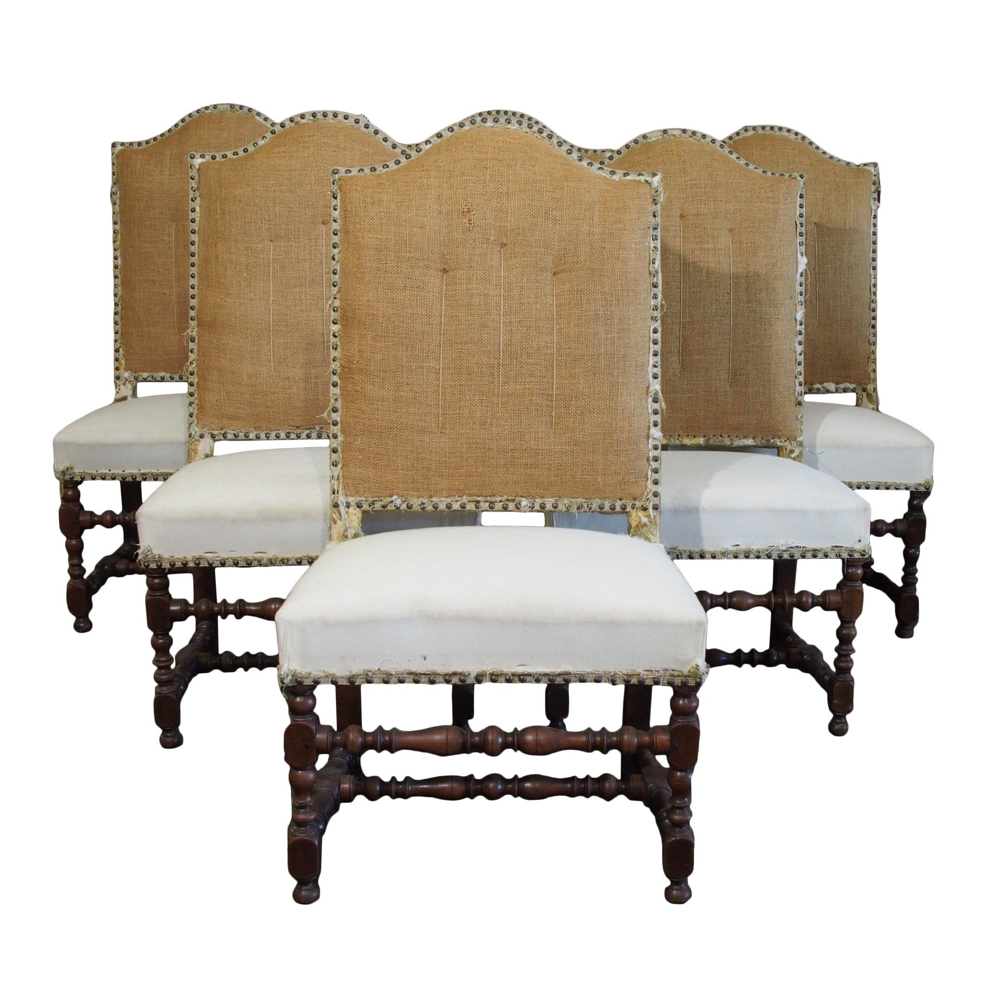 Charmant Ornate Carved Louis XVII Style Chairs.