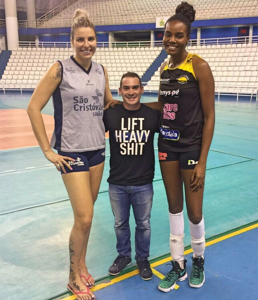 Pin By Joseph On Tall Tall Women Volleyball Players Tall People