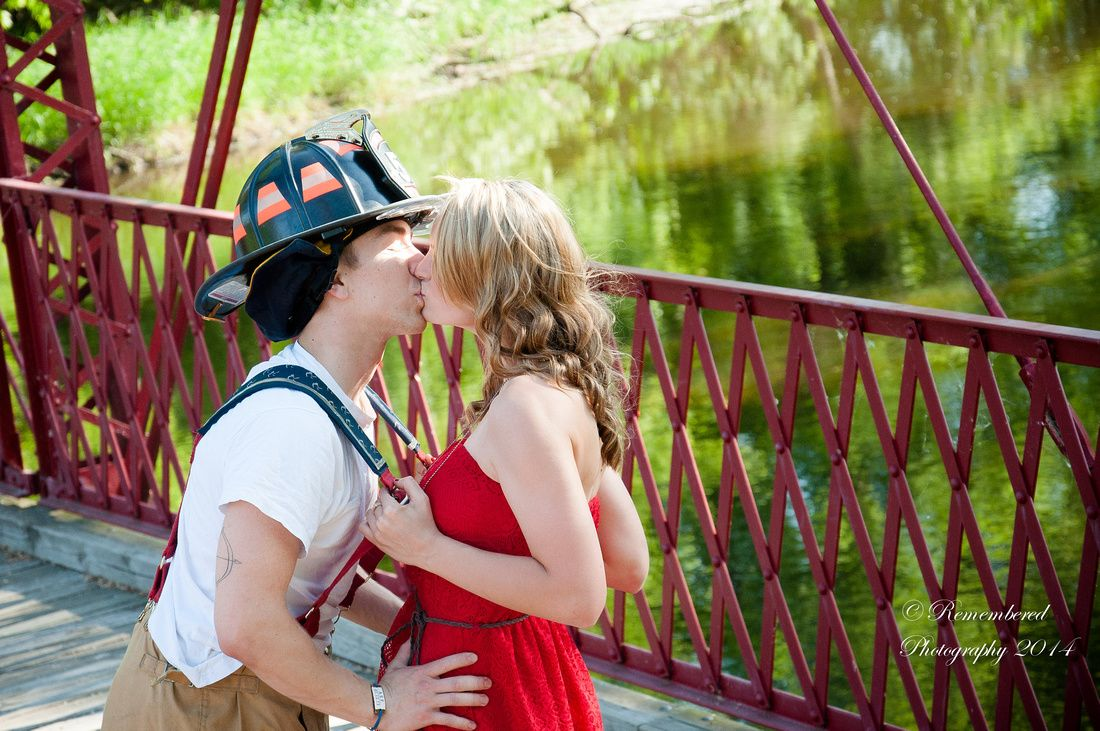 Young couple photography session, Fireman, bridge, love