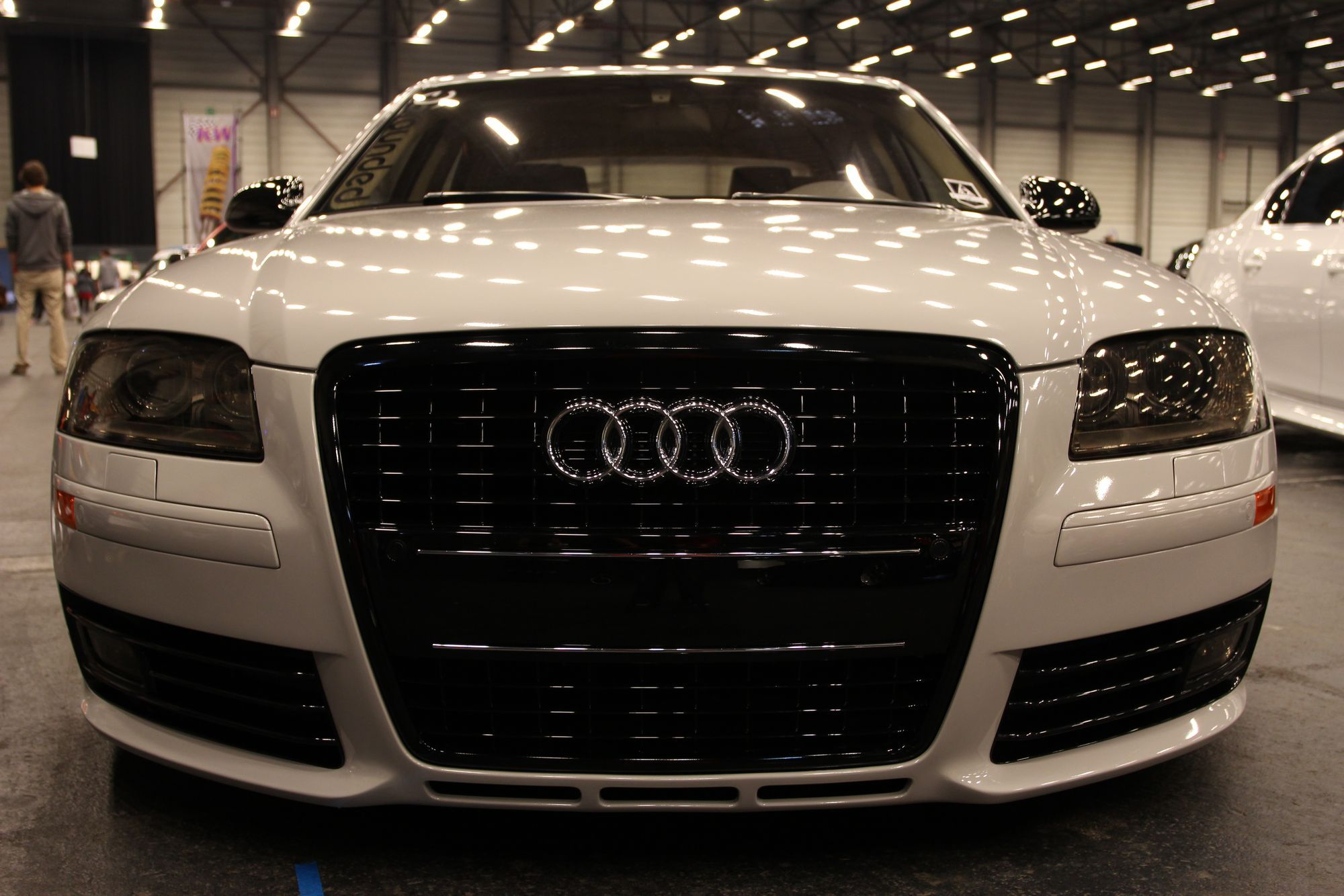Audi A8 im VIP-Style  http://www.autotuning.de/audi-a8-im-vip-style/ A8, Audi, Porsche-Felgen, S8, VIP-Style