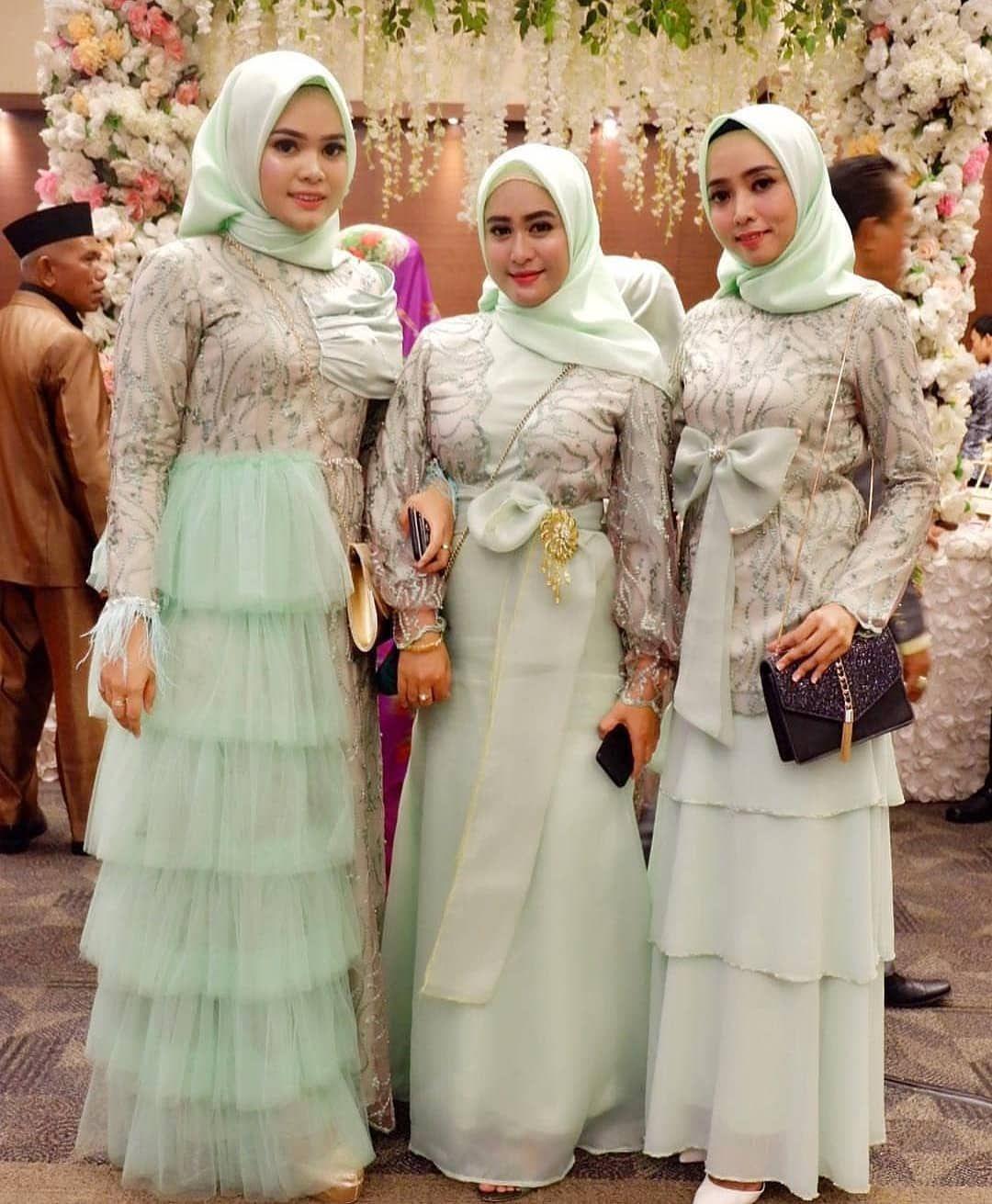 12 Model Baju Kebaya Pesta Tahun 12  Nanajilbab.com in 12