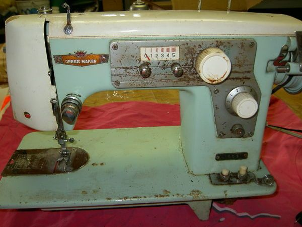 Old Japanese Sewing Machines Thread For Lostn40Dressmaker Delectable How To Thread Dressmaker Sewing Machine