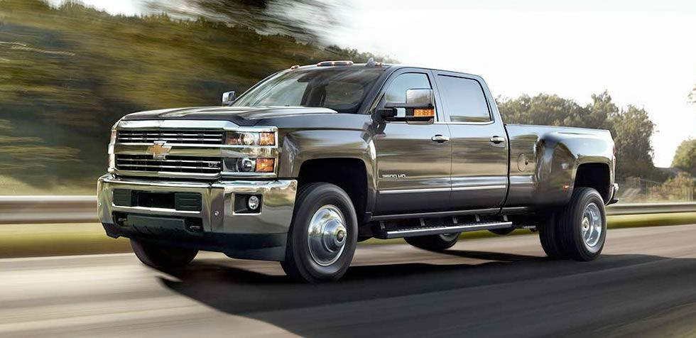 Fuel Economy Vehicles To Fit Your Lifestyle Chevrolet Chevrolet Silverado Chevy Duramax Silverado Hd