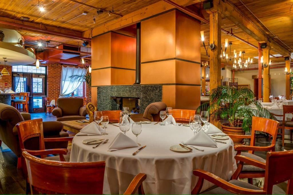 Join us for Lunch this week! We're open Mon-Friday 11:30 am - 2 pm enjoy fine dining at an amazing price point! #Yeg
