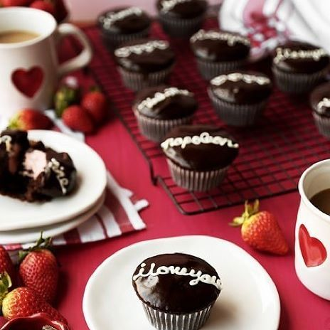 @jonjon33, you know the way to our hearts. ❤️ Chocolate Strawberry Filled Cupcakes served with our #WSValentinesDay dinnerware. Shop + recipe link in profile. #NationalChocolateCakeDay