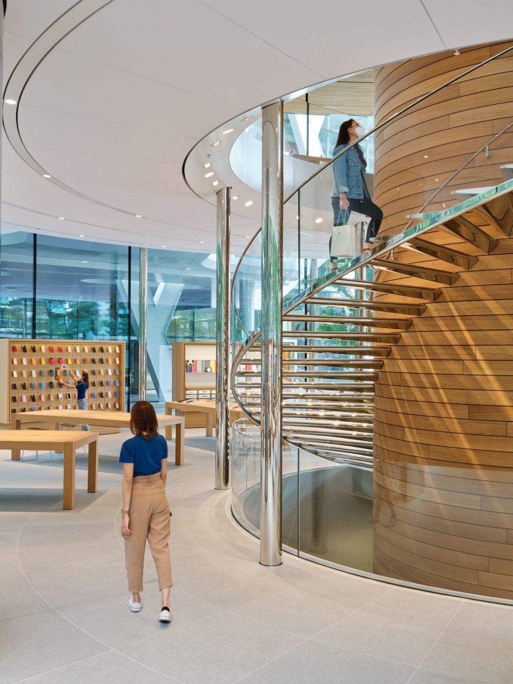 Tree Like Column Characterises Apple Central World By Foster Partners In 2020 Foster Partners Architect Apple Store Design