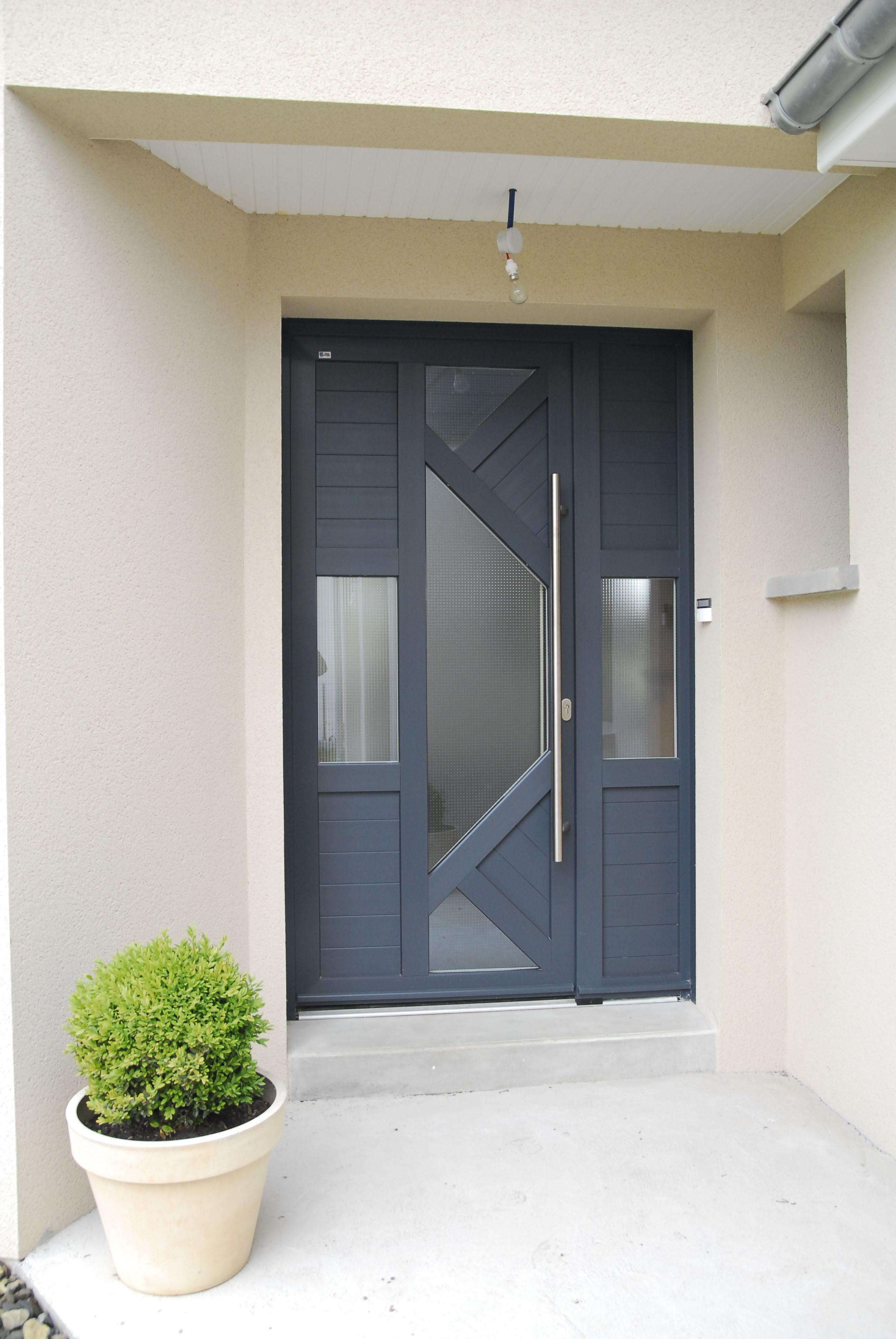 Porte d 39 entr e pvc mod le in s avec fixe lat ral for Modele maison vitree