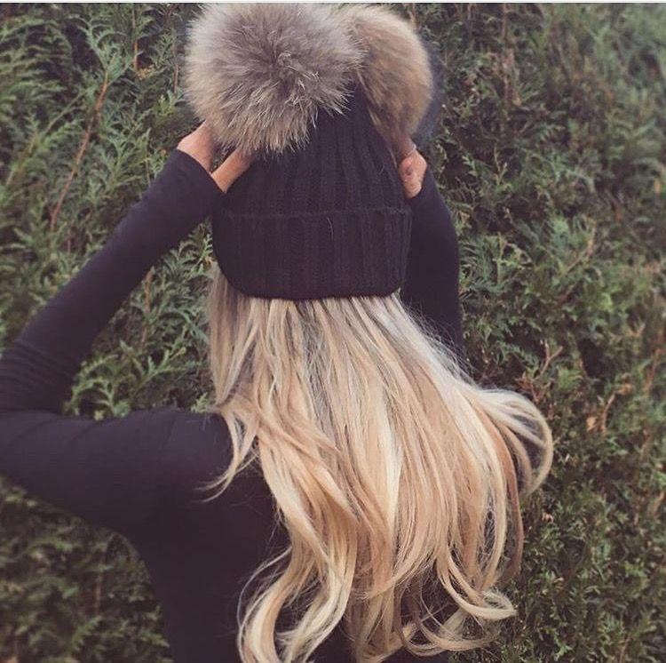 Buongiorno girls 🌟 oggi in arrivò tante novità ♥ partiamo subito con il  cappellino doppio pon-pon ... 6c65d18413c1