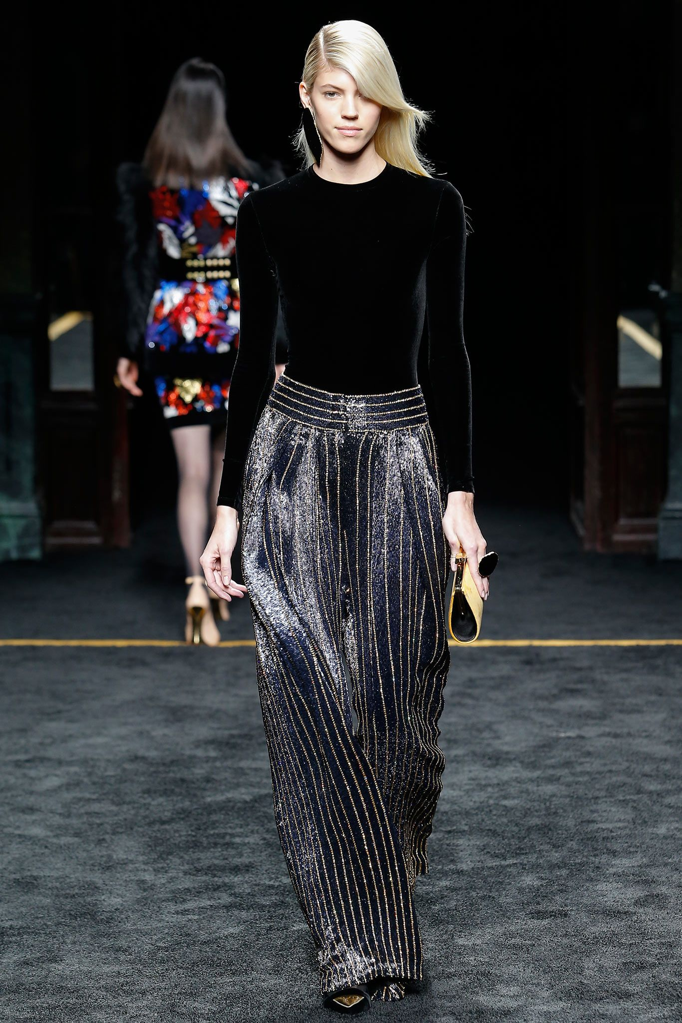 foto 3 Must-See Moments From Balmain's AW15 Show (Including Kim Kardashian's New Blonde Bob)