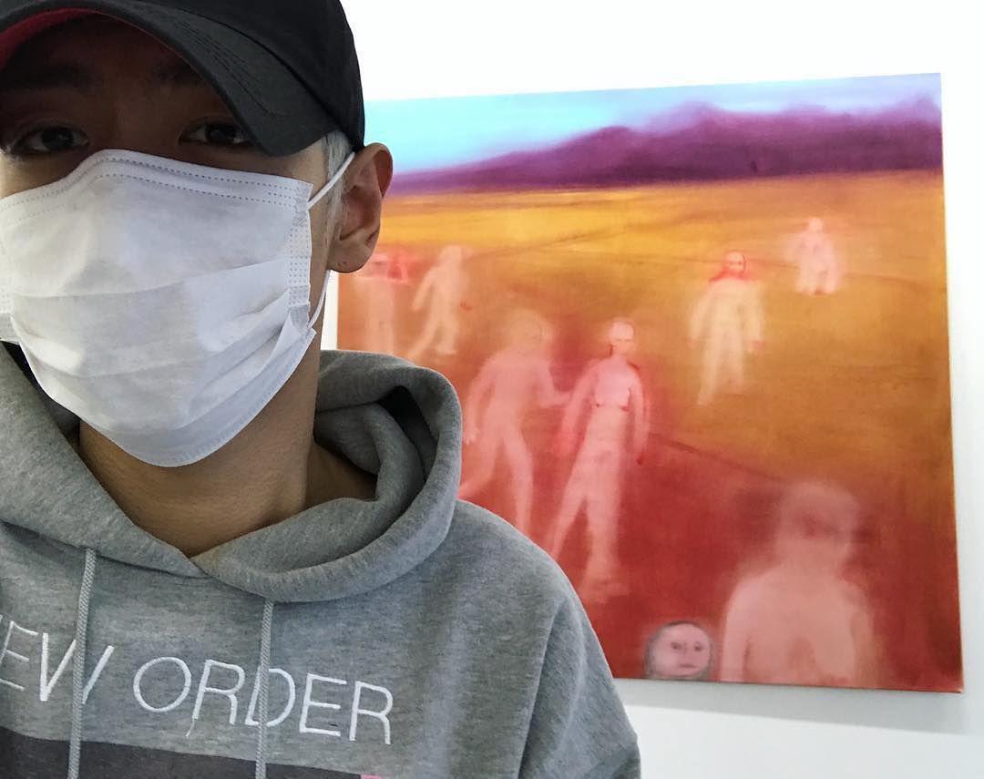"[161104] T.O.P's IG update: ""Good show""  #탑의멍청이들 #탑 #탑스타그램 #HappyTOPDay #miriamcahn"