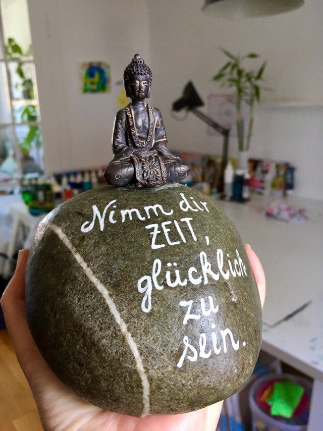 Buddha Dekoration Figur auf Stein mit Wunschtext / Widmung