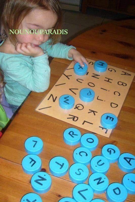 Baby Alphabet-Lernspiel mit Flaschendeckeln PET-Verschlüsse upcyceln Vorschule AlphabetLernspiel Baby Flaschendeckeln mit PETVerschlüsse upcyceln Vorschule material