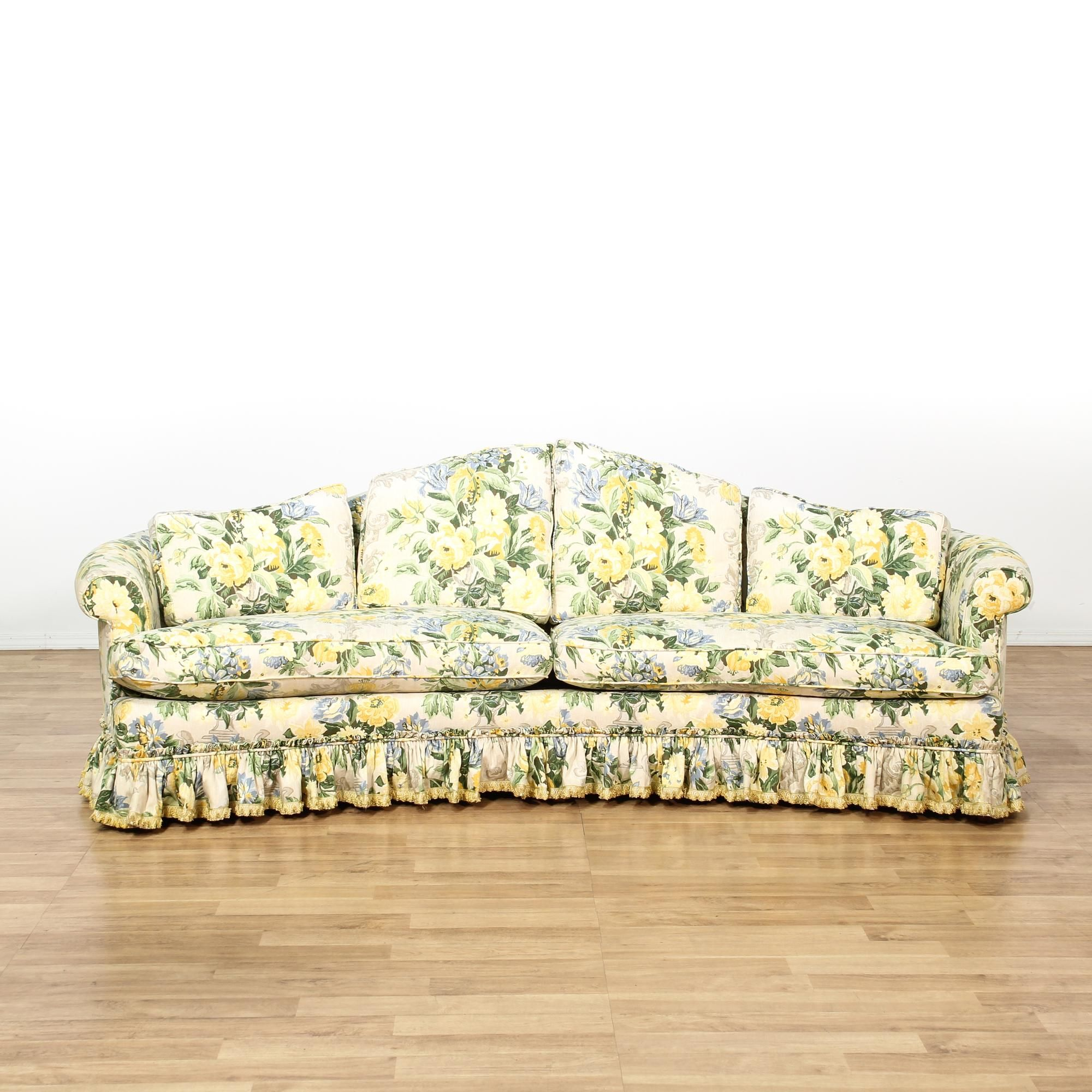 This Cottage Chic Sofa Is Upholstered In An Off White Fabric With A Yellow Green And Blue Floral Print This Long Sof Cottage Chic Chic Sofa Vintage Furniture