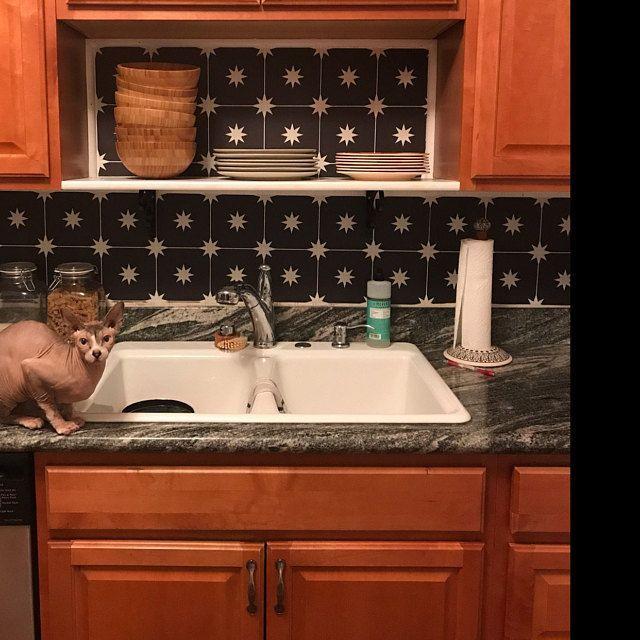 Kitchen and Bathroom Splashback - Removable Vinyl Wallpaper - Hamra Beige - Peel & Stick #bathroomsplashback Kitchen and Bathroom Splashback Removable Vinyl Wallpaper | Etsy #bathroomsplashback