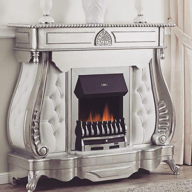 Il #fascino della #fogliaargento dona un gusto #moderno ed #elegante al tuo #salotto.  https://shop.simoneguarracino.it ❤ #luxurylifestyle #furniture #luxury #designs #complementi #arredamento #arredocasa #silver #design