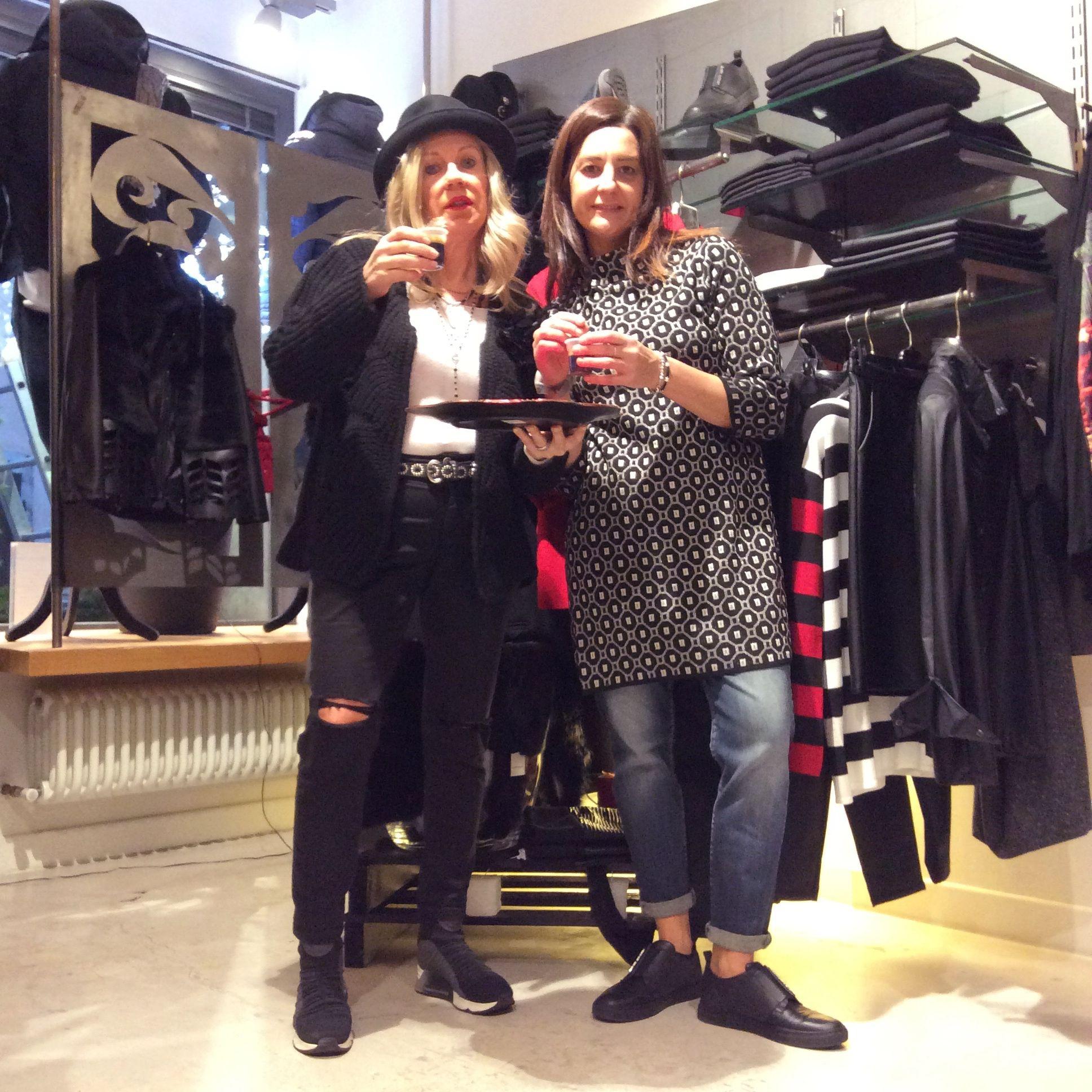 Buongiorno a voi!!! Un buon Caffè vi aspetta☕️☕️☕️ #orgogliodiessereitaliano #italyintheworld #madeinitaly #fashion #styles #stylish  #model #glam #glamour #outfit #ootd #instagood #instafashion #shopping #today #tagsforlikes #todayimwearing #mylook #fashionista #instastyle #fashiongram #beautiful #accessories  #swag #cute #confezionimontibeller #borgovalsugana #trentino #livelovevalsugana  http://www.confezionimontibeller.it