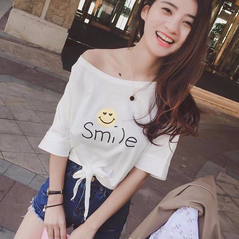 Áo thun trơn màu trắng thắc nơ giúp các nàng bé bỏng đáng yêu hơn