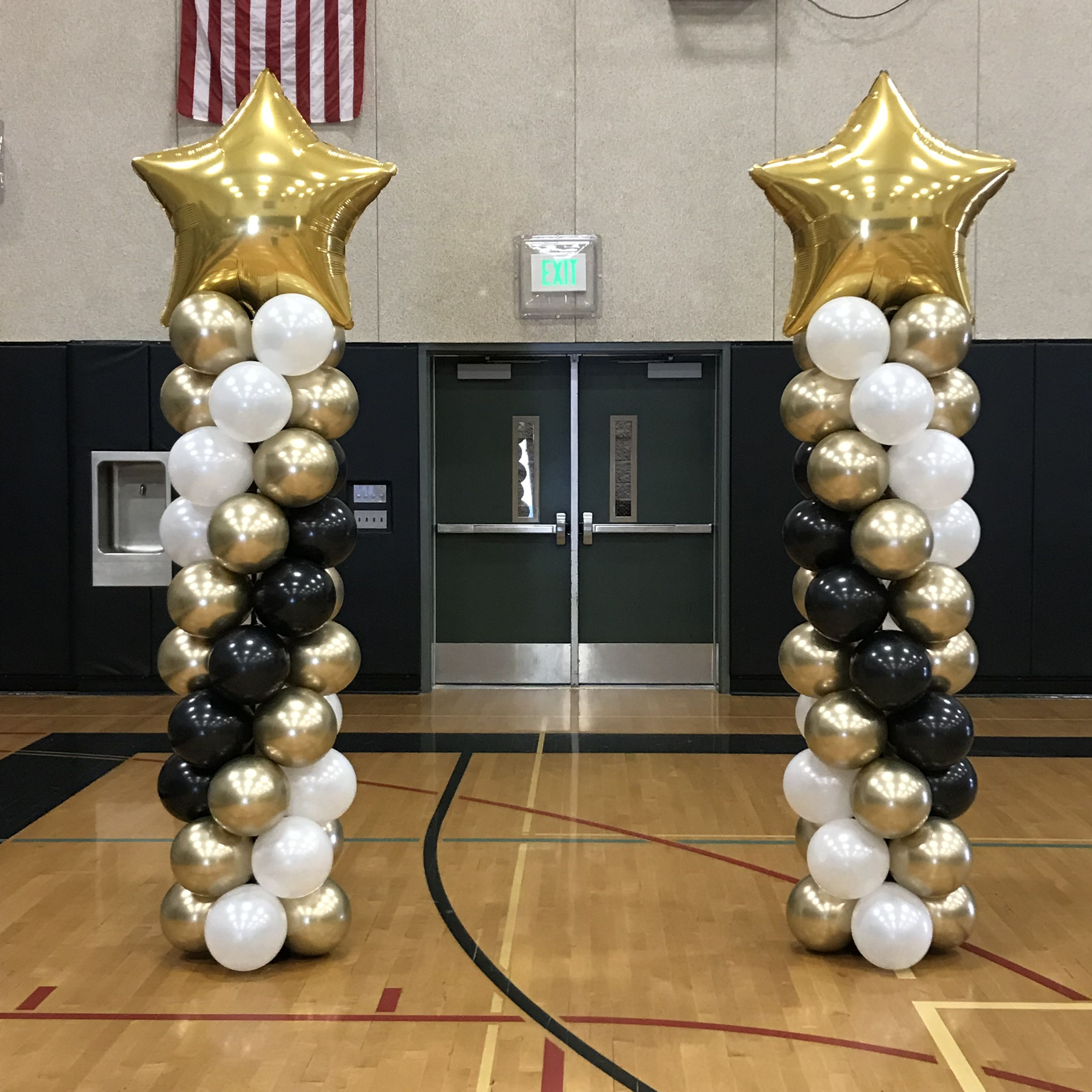 Balloons Columns For A Graduation Balloon Columns Graduation Balloons Balloon Decorations Graduation