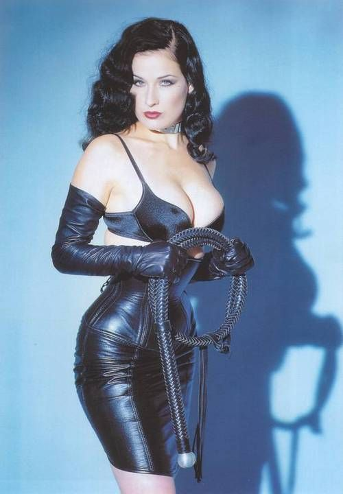 Dita Von Teese http://lingerie-for-dita.blogspot.com