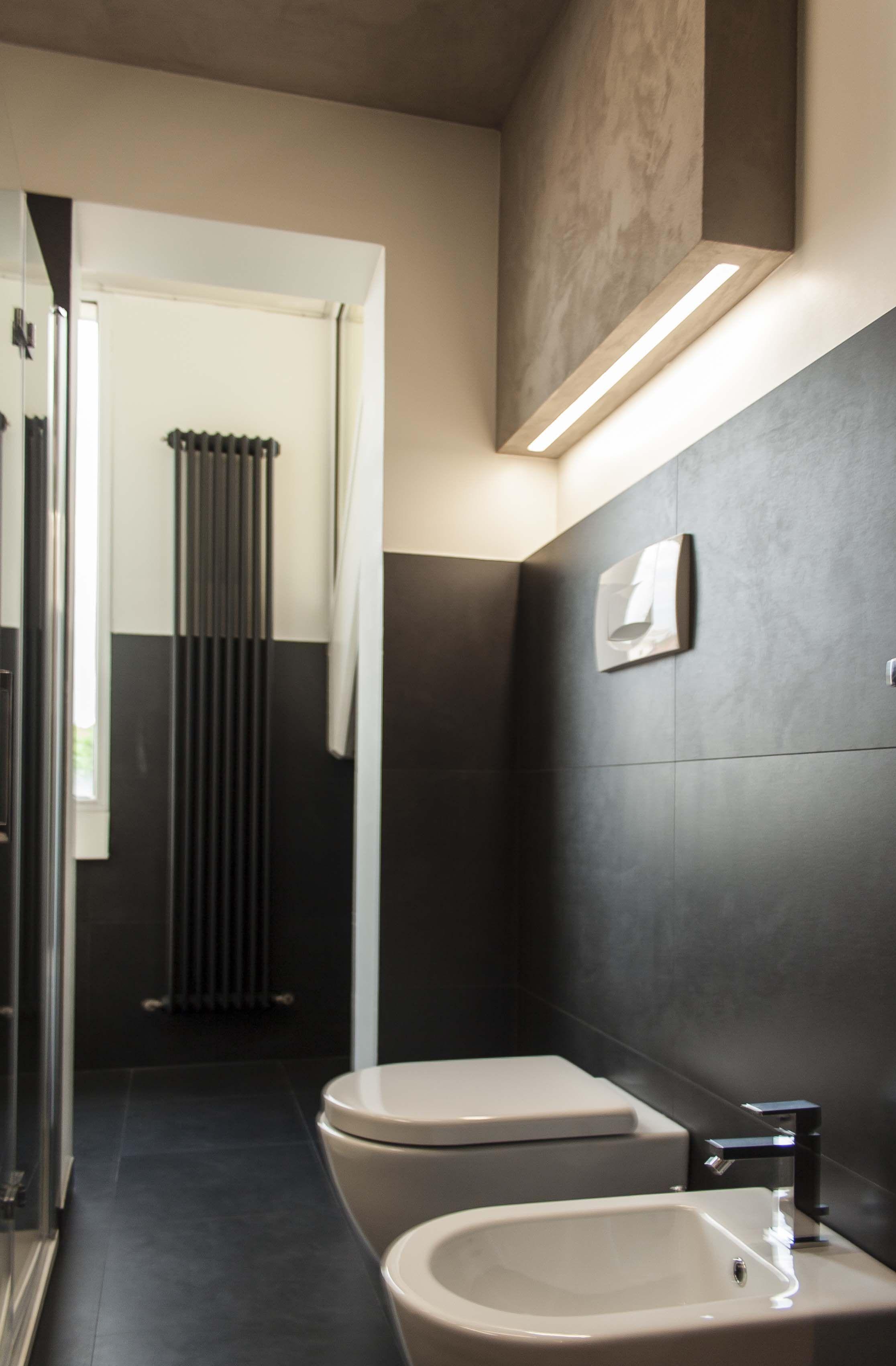 Illuminazione bagno idee bagno pinterest studio and interiors - Illuminazione doccia con led ...