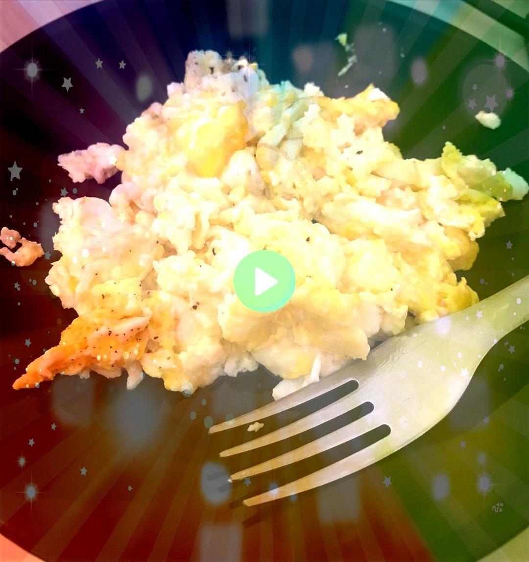 e não desistência Constância e não desistência  Delicious cashew crunch shredded brussels sprouts salad tossed in a flavorful sesame ginge...