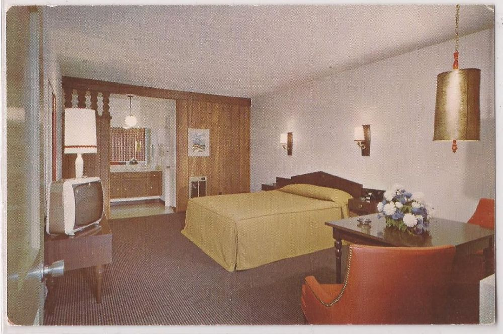 "Rooms: Thousand Oaks, Calif. Postcard ""Hyatt Chalet Motel"" Room"