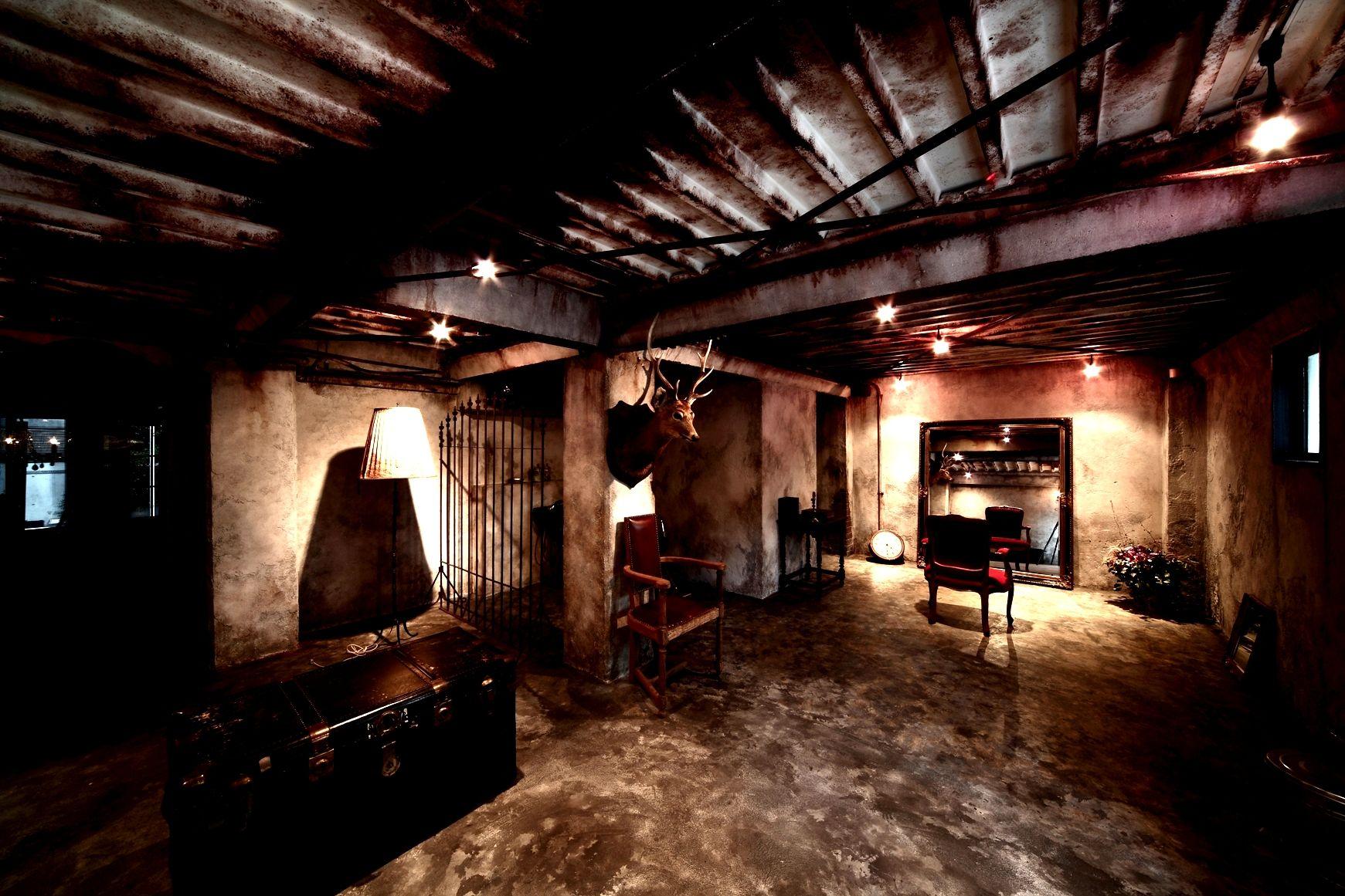 1階の貴族のお屋敷の地下へとお連れします オシャレ ヘアサロン 恵比寿 屋敷 地下 1階