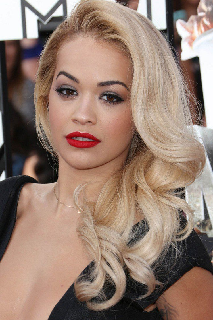 quelle couleur de cheveux pour yeux marron le blond platine de rita ora coiffure et. Black Bedroom Furniture Sets. Home Design Ideas