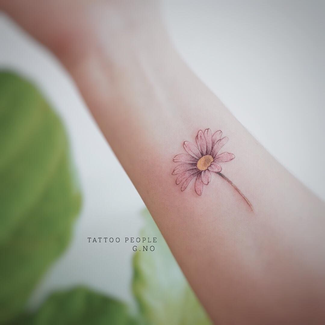 545 Likes 14 Comments G No Gnotattoo On Instagram Daisy Daisy Tattoo Watercolor Daisy Tattoo Daisy Flower Tattoos