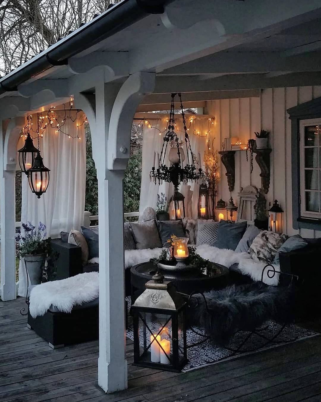Hilary Farr On Instagram Love The Use Of Lanterns Here Don T You Just Want To Cozy Up With A Blanket And Cu Patio Design Outdoor Patio Designs Outdoor Rooms