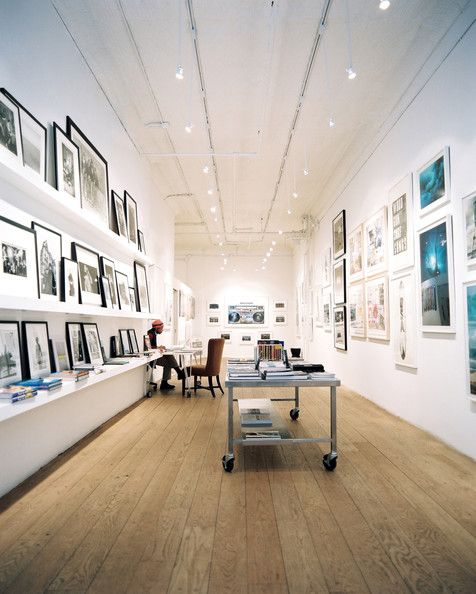 Contemporary Retail Store Design Photos With Images Art