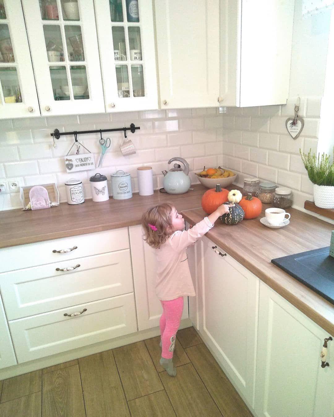 Mi Piace 666 Commenti 43 Joanna Joan And Roses Home Su Instagram Poniedzialkowe Dzien Dobry Pogoda Nadal Rozpieszcza Kitchen Decor Kitchen Decor