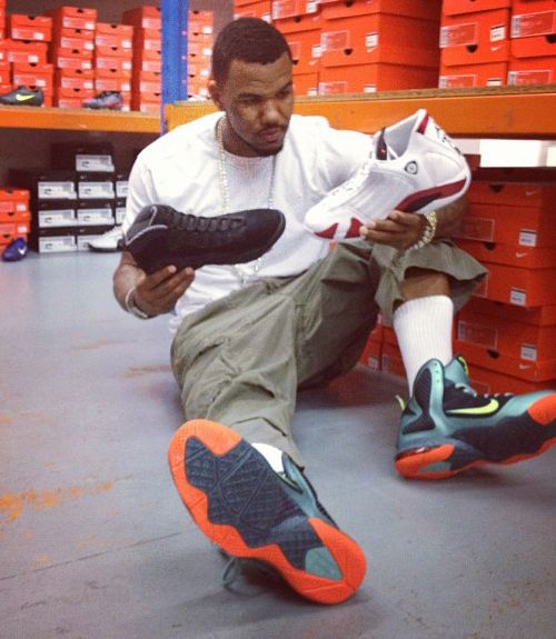 huge selection of 82281 08c7b The game rocking the Nike Lebron 9
