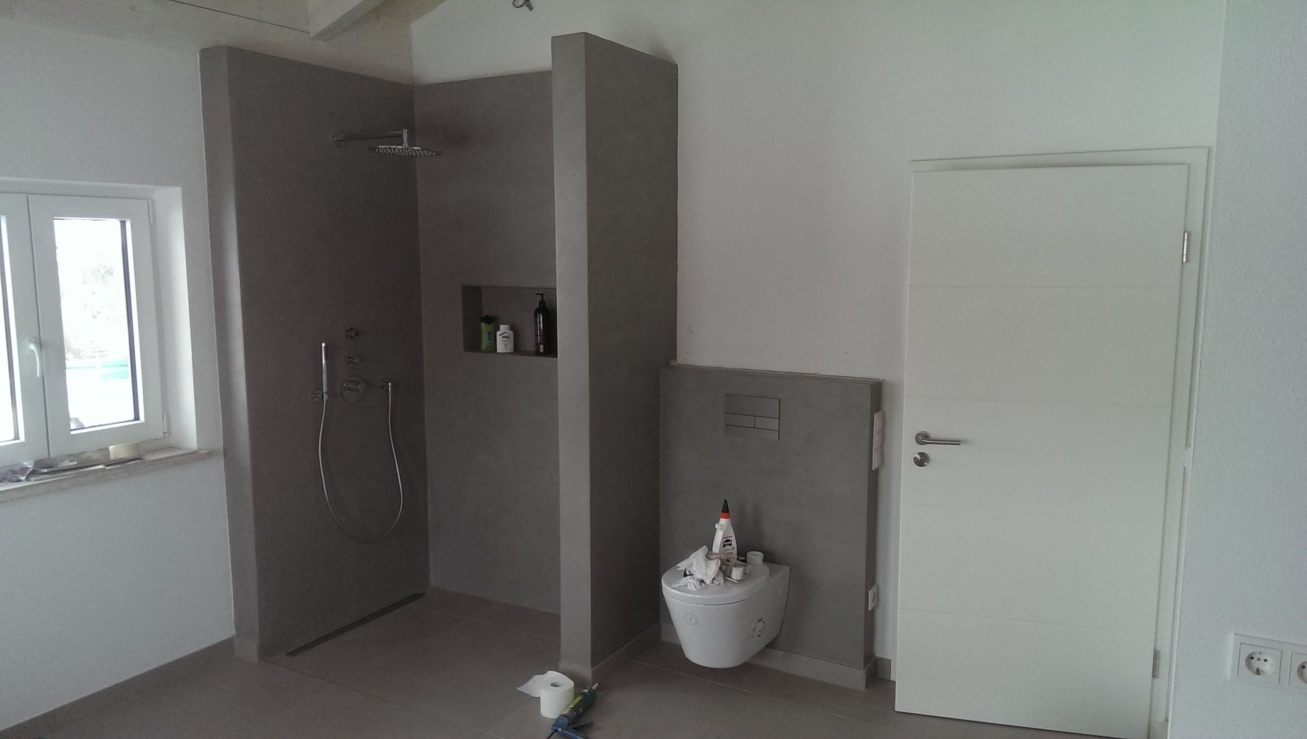 fugenlose dusche beton cire mercadier von beton badsanierung mit beton cire beton cir. Black Bedroom Furniture Sets. Home Design Ideas