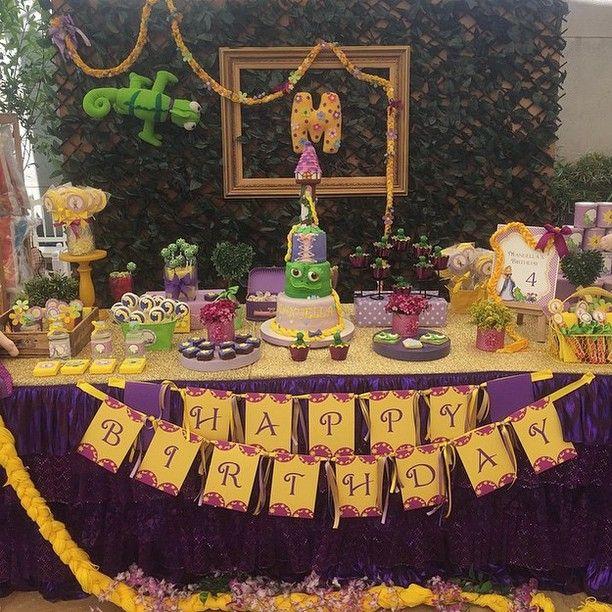 Decoração Rapunzel por @fiestascreativas - Bolo: @rinapadillakeik #kikidsparty