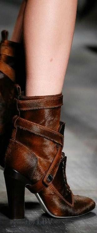 Fendi Fall 2014  |  ladies boots