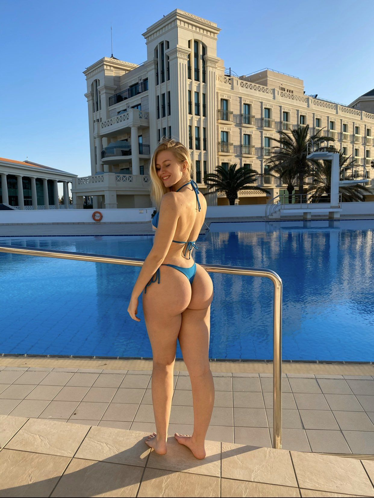 Vera Dijkmans On Twitter In 2020 Bikini Models Bikinis Girl G Vera dijkmans plus size mix fashion stylish pose image credit @veradijkmans/ song: bikini models bikinis