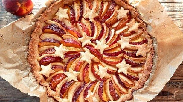 Classic American Apple-Peach Pie: Veganized! | TheFlamingVegan.com