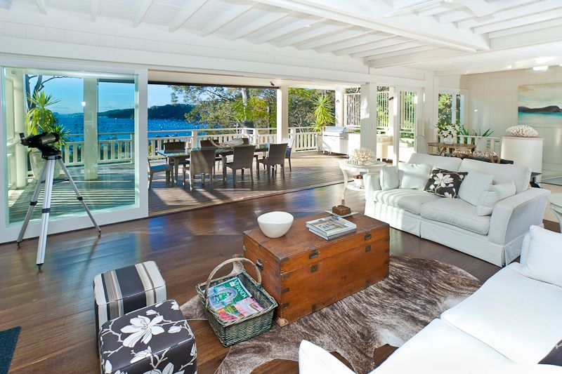 Hamptons style home decor.